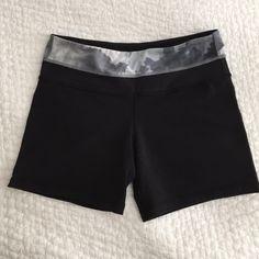 Lululemon Groove Short, Reversible Lululemon Reversible Groove Short Regular, Good condition lululemon athletica Shorts