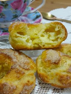 Almojábanas #RecetasDeConventos Spanish Desserts, Pan Dulce, Canapes, Sin Gluten, Pain, French Toast, Bakery, Deserts, Muffin