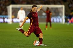 Francesco Totti, a favor de la AS Roma.