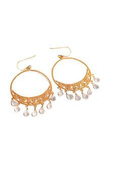 Pendientes redondos con perlitas  www.tenestilo.com