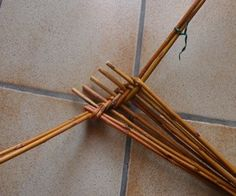 Willow Weaving, In Natura, Antique Show, Spiral, Hair Accessories, Baskets, Antiques, Tableware, Crafts