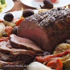 For a special dinner, a very juicy Baked Beef Tenderloin.- For a special dinner, a very juicy Baked Beef Tenderloin. With vegetables that you find in your refrigerator. It is a party of vitamins and minerals! Pork Roast Recipes, Meat Recipes, Cooking Recipes, Bbq Menu, Food Menu, Healthy Recipe Videos, Healthy Recipes, Healthy Food, Healthy Chicken Dinner