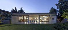 Warm industrial for architects own home in Tel Aviv | Designhunter - architecture & design blog