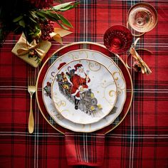 Williams Sonoma 'Twas the Night Before Christmas Dinnerware Collection Christmas Table Settings, Christmas Tablescapes, Christmas Table Decorations, Decoration Table, Christmas Candles, Tree Decorations, Christmas Salad Plates, Christmas Dishes, Christmas Door Wreaths