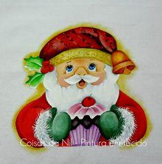 pintura em tecido com tema natalino um papai noel com cupcake