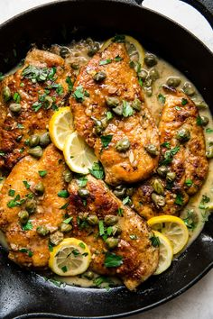 Lemony, caper-topped, and just buttery enough, chicken piccata is an easy weeknight supper that's easy to love, and so very fast—just ten minutes from sauté pan to table. Pollo Piccata, Fast Chicken Recipes, Italian Chicken Recipes, Le Diner, Breast Recipe, The Best, Dinner Recipes, Dessert Recipes, Recipes
