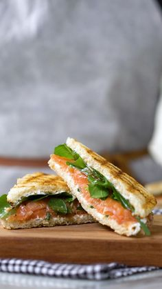 Smoked Salmon Sandwich - There is no better lunch than this one! Gourmet Sandwiches, Dinner Sandwiches, Healthy Sandwiches, Sandwiches For Lunch, Homemade Sandwich, Chicken Sandwich Recipes, Lunch Recipes, Dinner Recipes, Cooking Recipes