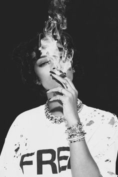 Discovered by Lailah. Find images and videos about smoke, rihanna and riri on We Heart It - the app to get lost in what you love. Moda Rihanna, Rihanna Mode, Rihanna Riri, Rihanna Swag, Style Rihanna, Rhianna Fashion, Shotting Photo, Good Girl Gone Bad, Bad Gal