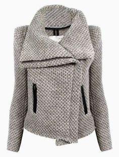 Aujourd'hui, je vous propose une nouvelle variation du patron du manteau Quart. Et oui, moi j'aime bien utiliser à fond mes patrons et je crois savoir que je ne suis…