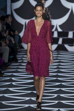 http://www.vogue.de/fashion-shows/kollektionen/herbst-2014/new-york/diane-von-furstenberg/runway/00200h