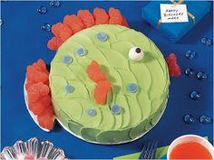 Bolo com formato de peixe