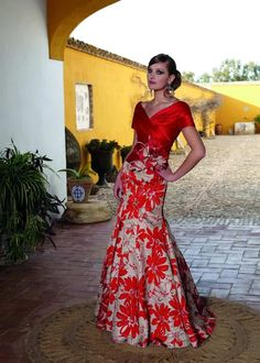 Prom night has always become an interesting event for teenagers. Elegant Dresses, Pretty Dresses, Formal Dresses, Mexican Dresses, Gala Dresses, Groom Dress, African Dress, Beautiful Gowns, African Fashion