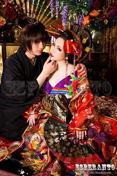 花魁体験カップルプラン Geisha Japan, Geisha Art, Oriental Dress, Oriental Fashion, Traditional Fashion, Traditional Outfits, Geisha Makeup, Goddess Dress, Japan Girl
