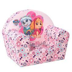 Na alle reddingsavonturen is het tijd om uit te rusten in deze comfortabele stoel van je favoriete Paw Patrol Girls. De stoel is gemaakt van stevig schuimrubber en is bekleed met sterk katoen. De stoel is lichtroze en heeft een afbeelding van de meiden Skye en Everest erop. Zithoogte ca. 13 cm. Afmeting: 42 x 32 x 42 cm. - Paw Patrol Girls Stoel