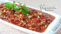 Lokanta Ezmesi Tarifi nasıl yapılır? Lokanta Ezmesi Tarifi'nin malzemeleri, resimli anlatımı ve yapılışı için tıklayın. Yazar: AyseTuzak Vegan Recepies, Good Food, Yummy Food, Arabic Food, Turkish Recipes, Creative Food, Raw Vegan, Entrees, Side Dishes