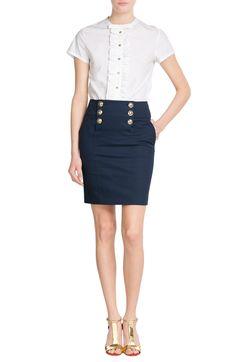 Ruffled short-sleeved stretch poplin  EMILIO PUCCI € 465  -------------   Mini Skirt Sailor Stretch Twill  EMILIO PUCCI € 515   ------------------  June Wedges Metallic Leather  RUPERT SANDERSON € 725