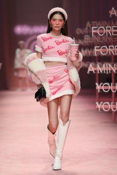 Look Fashion, Teen Fashion, Korean Fashion, High Fashion, Fashion Show, Fashion Design, Pretty Outfits, Cute Outfits, Classy Outfits