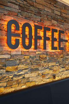 // design d'espace Design et aménagement du restaurant – take-away Coffe Lounge. client: Coffee Lounge spécificités: –