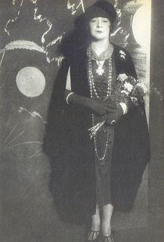 Berlin, Trude Hesterberg Aman-Ullah-Parodie 1923.