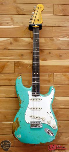 Fender Custom Shop L-Series 1964 Stratocaster Super Heavy Relic Sea Foam Green Rosewood 9231990849 - Serial Number - L11386The classic look of a Stratocaster never gets old, and a decade after its introduction, the instrument was poised at the brink of history-making music in 1964. The Fender Cus...