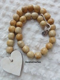 Woonketting | (Woon)accessoires | sandracreaties Leather Bags, Wooden Beads, Ibiza, Beading, Arredamento, Accessories, O Beads, Bead