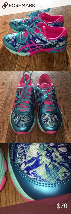 [ASICS] Gel-Noosa Tri 11 GS WMNS Running Shoe SIZE 6 | New, never been worn but there is a small scuff on the left shoe (see images above). Women's **Size 6** 👍👍. Asics Shoes Athletic Shoes