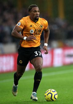 Nuno Espirito Santo delighted Adama Traore switch paid off for Wolves Soccer Guys, Football Soccer, Football Players, Everton, Manchester United, Wolverhampton Wanderers Fc, Cristino Ronaldo, Football Wallpaper, Football Pictures