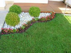 simple shape, needs bolder flowers to complete the look Landscaping With Fountains, Front Garden Landscape, Small Front Yard Landscaping, Backyard Landscaping, Outdoor Garden Decor, Home Garden Plants, Small Garden Design, Garden Projects, Mediterranean Garden