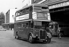 Another bus station photo for the collection Old Photos, Vintage Photos, Rt Bus, Routemaster, Double Decker Bus, Bus Coach, London Bus, London Transport, Old Street