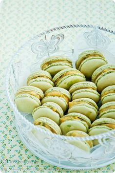 ☆Matcha Macarons with Passionfruit Curd (Recipe) Curd Recipe, Macaron Recipe, Green Tea Recipes, Sweet Recipes, Vegan Recipes, Macarons, Macaron Cookies, Delicious Desserts, Dessert Recipes