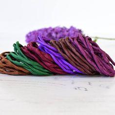 Sieh dir dieses Produkt an in meinem Etsy-Shop https://www.etsy.com/de/listing/551245437/hand-dyed-silk-cords-lot-of-6-purple