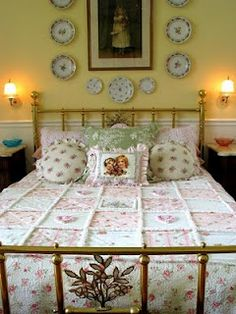 """Fabulous cottage bedroom; I would like to do a """"rag"""" quilt like this for the family room"""