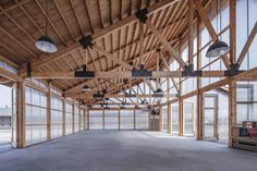 ARCHSTUDIO designed Organic Farm as a series of light-filled timber buildings arranged to mimic the traditional Chinese courtyard houses, also known as siheyuan. Detail Architecture, Timber Architecture, Timber Buildings, Industrial Architecture, Chinese Courtyard, Agriculture Bio, Farm Pictures, Small Courtyards, Timber Structure