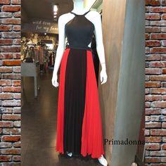 4689e895bc8c Maxi πλισέ δίχρωμο φόρεμα Angelo με ανοίγματα στην μέση. Μονόχρωμο επάνω  και δίχρωμο πλισέ κάτω