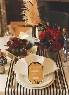Old Hollywood Glam table by HeyLook + free downloads | VIA #WEDDINGPINS.NET