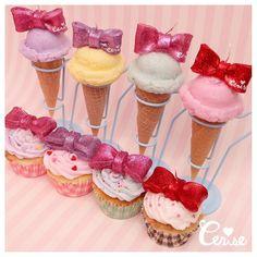 リボントッピングのアイスクリームキャンドルとカップケーキキャンドルがアップデートしました アイスクリームスタンドにも新色アイスブルーが仲間入りです #cerisestore #cerise #candle  http://ift.tt/1C1PWWA