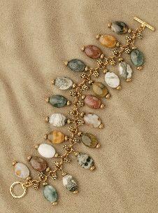 Jasper Charm Jump Ring Bracelet Pattern at Sova-Enterprises.com Lots of free beading patterns and tutorials on this site!