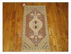 Lovely lavender shaded small vintage turkish yastik mat!