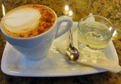Hacemos de tu visita un momento especial.  Somos pasión y tradición por el café  Conócenos en el C.C. Metrocenter pasaje colonial. #MomentosAroma #SaboresAroma #AromaDiCaffé #CoffeeLovers #CoffeeMoments #CoffeeTime