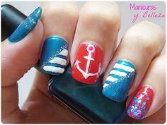 #summernails Nail art nautical sailor anchor lines glitter blue red white // Uñas decoradas manicura marinera náutica con rayas lineas blancas ancla rojo azul