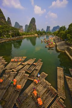 ˚Water Taxis - Yangshuo, China