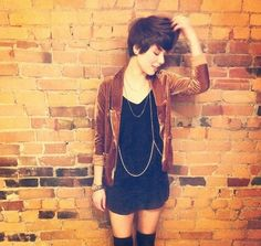 Short Hair and Love Her Outfit