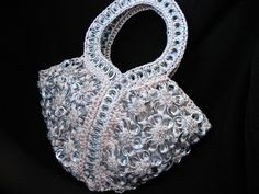 One of my more favorite pop tab purse ideas.