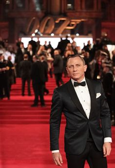 Daniel Craig in a classic black tuxedo at the premiere of Skyfall which was held at The Royal Albert Hall.