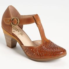 Pikolinos Tan Leather Cut Out Pumps Block Heel These are incredibly comfortable heels that won't hurt your feet. The block heel is nice and sturdy and the leather upper is soft. Fits true to size. No longer available in stores! Shoes Heels