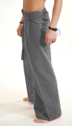 Grey Line Pattern Fisherman Pants. Thai #FishermanPants are suitable for both men & women, unisex 100% cotton. For a video guide on how to wear/tie Fisherman Pants go to our; http://blog.bindidesigns.eu/how-to-wear-thai-fisherman-pants-video-guide/ BindiDesigns.eu