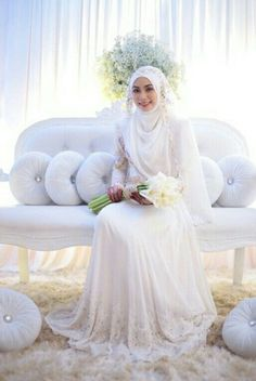 Trendy Dress Hijab Wedding Abayas Ideas Source by hijab Muslim Wedding Gown, Malay Wedding Dress, Muslimah Wedding Dress, Muslim Wedding Dresses, Muslim Brides, Bridal Dresses, Dress Muslimah, Wedding Abaya, Wedding Hijab Styles
