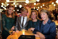 Prinses Margriet, prinses Margarita and prinses Aimée waren gast bij modeshow Addy van den Krommenacker