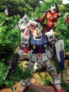 Guncannon, GM commander and Ground Gundam Diorama Gundam Toys, Gundam Art, Sci Fi Anime, Mecha Anime, Gundam Mobile Suit, Alien Creatures, Gundam Model, Manga Characters, Toys Photography