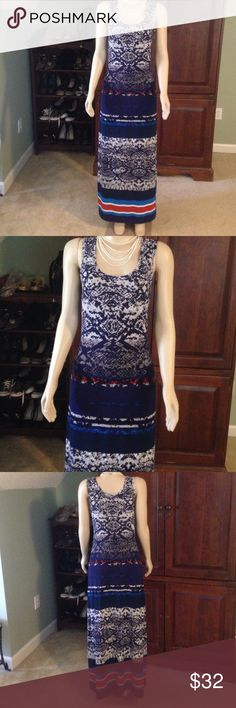 Nine West maxi tank dress size S Gorgeous print dress can be casual or add a cardi or jacket for work. Super comfortable stretchy material moves with you and keeps you cool!  Size S Check out the rest of my closet!! Bundles of 3 or more 25% off! Nine West Dresses Maxi